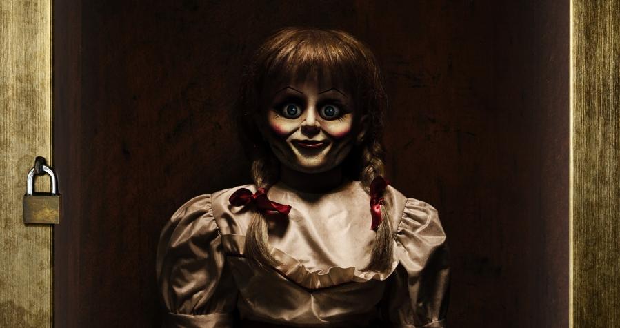 Кукла Аннабель – персонаж фильмов ужасов, но так ли она страшна на ...   477x900
